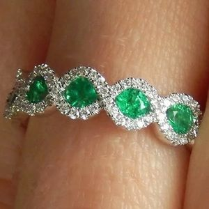 .925 Sterling Silver Emerald Oval Ring